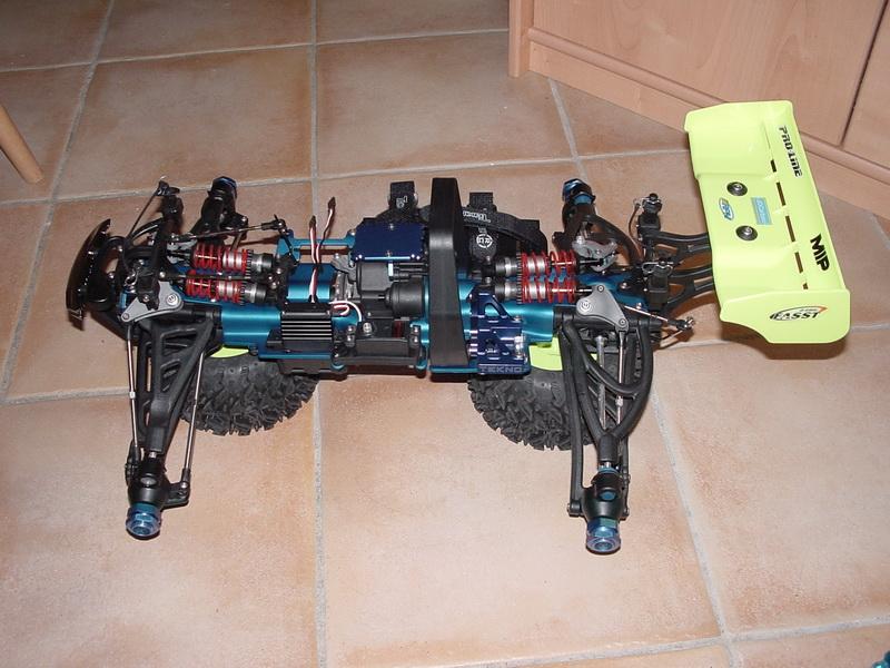 b-revo chassis alu et b-revo chassis carbone DSC00002%20(2)_resize